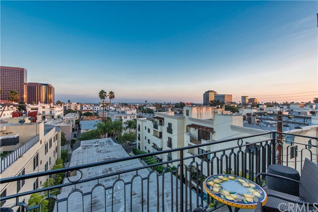 Photo of 11838 Dorothy Street #402, Brentwood, CA 90049