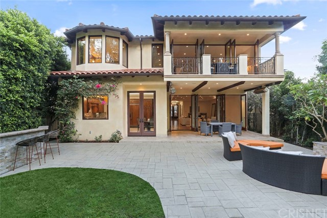 Photo of 207 N Bowling Green Way, Brentwood, CA 90049