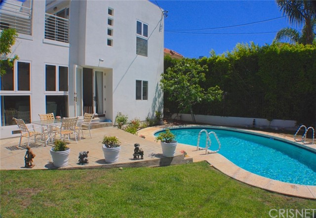 Photo of 12156 LEVEN, Brentwood, CA 90049